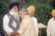 Narendra Modi meeting with Sikh leaders