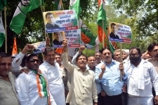 People from Dalit Social Organizations protest in support of Rahul Gandhi