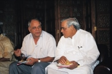 Atal Bihari Vajpayee and Kanshi Ram at a meet