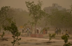 Delhi hit by dust storm