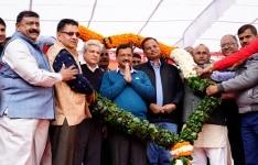 Arvind Kejriwal with Delhi fire department members
