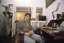 Chittrovanu Mazumdar posing at his home