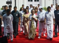 Sonia Gandhi celebrates 73rd Independence Day at AICC
