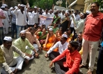 NCP protest on ED complaint against Sharad Pawar
