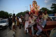 GANPATI VISARJAN   INDIAN HINDU FESTIVAL