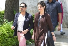 Priyanka Gandhia and Robert Vadra Cast Vote