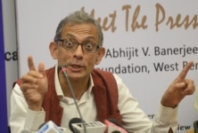 Indian Economist  Abhijit Banerjee addressing a press conference