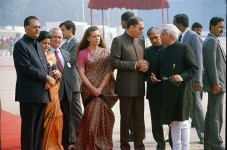 RAJIV GANDHI WITH SONIA GANDHI AND PARTY LEADERS