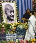Kolkata  West Bengal Chief Minister Mamata Banerjee pays tribute to Mahatma Gandhi during a programme organised on Gandhi Jayanti in Kolkata on Oct 2  2018  Photo  IANS
