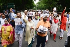 AAP MLA s and Residents of Delhi Protest