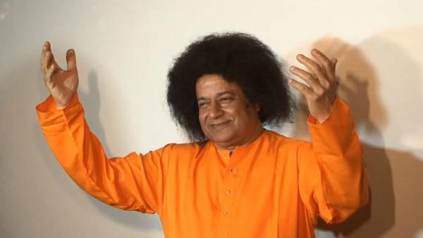 Anup-Jalota-as-Satya-Sai-Baba