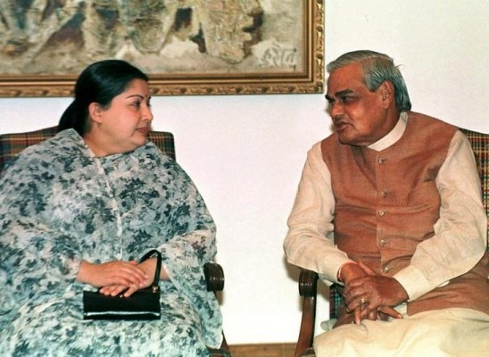 Indian Prime Minister Atal Behari Vajpayee (R) confers with Jayaram Jayalalitha, chief of the southern All India Anna Dravida Munnetra Kazhagam (AIADMK) party, key ally of the ruling coalition, before the start of a meeting of the coordination committe of the ruling Bharatiya Janata Party (BJP) led coalition alliance in New Delhi March 27. The meeting was called to discussed the political situation before the start of Indian parliament session on April 12. SM/TAN