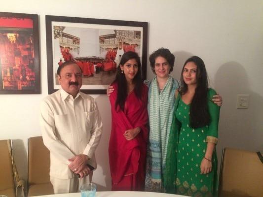 aditi singh raebareli with priyanka gandhi