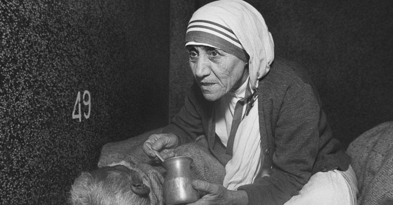 balbir punj attacks narendra modi's praise of 'sainthood' of mother teresa by vatican