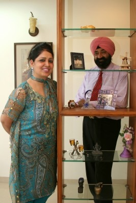 Comedian Jaspal Bhatti, engineer with wife Savita at his Residence in Mumbai, Maharashtra, India ( for Simply Punjabi )