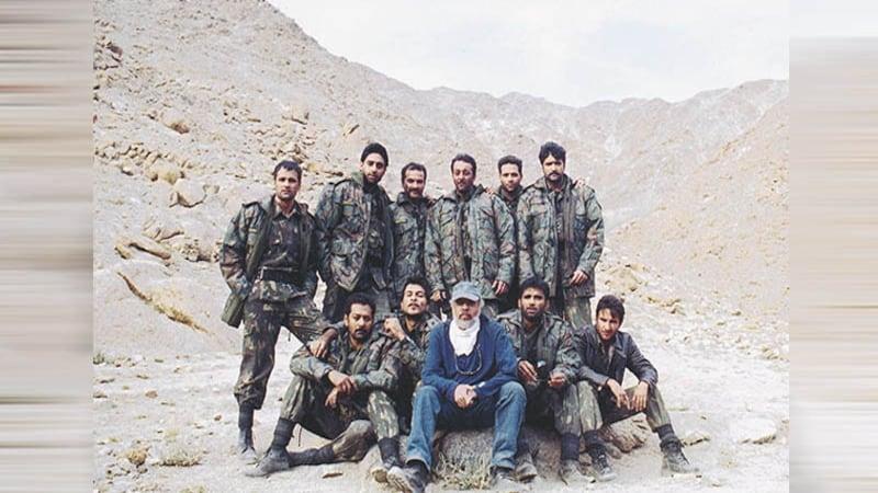 सैनिकों के लिए फिल्में भारत में सिर्फ ये एक आदमी बनाता है