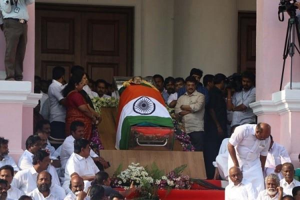 Jaya funeral sasikala