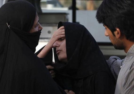 पाकिस्तान में आए दिन अहमदी लोगों को मार दिया जाता है. उनकी मस्जिदों में आग लगा दी जाती है. (Photo : Reuters)