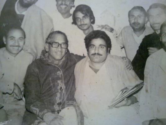Shri Surya Prakash Jaiswal sitting right of Shri Hemwati Nandan Bahuguna