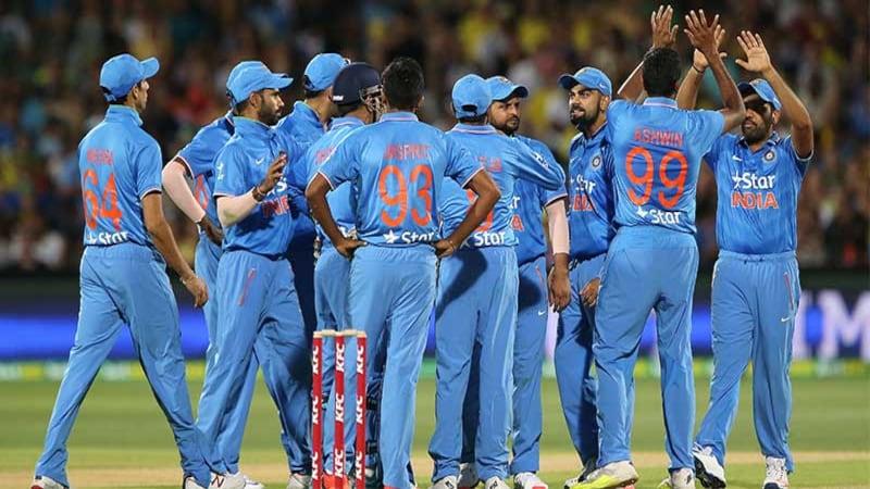 बिना पैसे के क्रिकेट खेल रहे हैं इंडियन क्रिकेटर्स