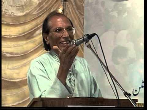 अपने मुशायरे के दौरान डॉ. बशीर बद्र.(फ़ोटो:यूट्यूब)