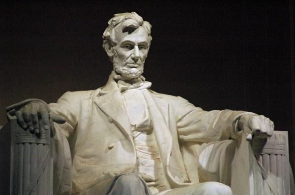 I have a Dream भाषण लिंकन मेमोरियल की सीढ़ियों पर से दिया गया था