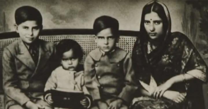 1936 में भाई राज कपूर, बहन उमी और मां के साथ शम्मी. (फोटोः यूट्यूब)