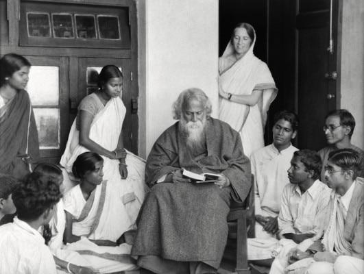 रवीन्द्र नाथ टैगोर ने शांति निकेतन की स्थापना की थी.