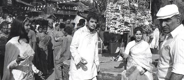 यश चोपड़ा और दिलीप कुमार, फिल्म 'मशाल' की शूटिंग के दौरान.