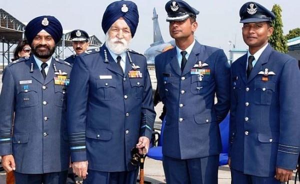 अर्जन सिंह एयरफोर्स के मार्शल हैं यानी वो कभी रिटायर नहीं होंगे.