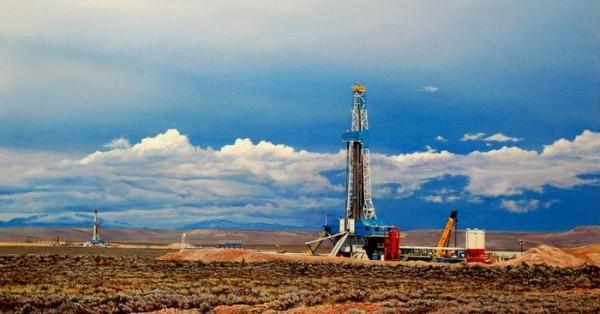 अमेरिका ने तेल के कुओं पर अधिकार के लिए सभी