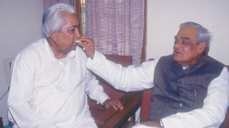 गुजरात का वो नेता, जो दो बार मुख्यमंत्री बना और कार्यकाल पूरा नहीं कर पाया