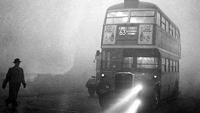पूरे पांच दिन तक लोगों को सूरज नजर ही नहीं आया. धुंध की मोटी परतों के बीच वो कहीं छुपा हुआ था.