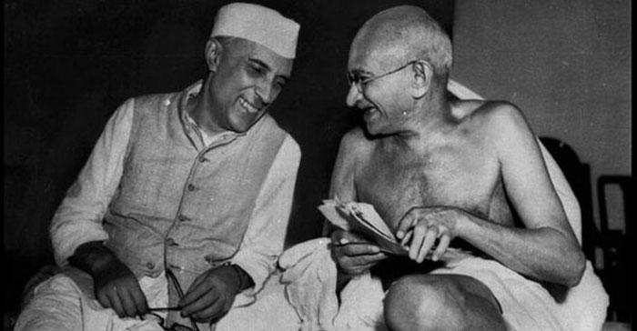 नेहरू से जुड़े सही इतिहास को ईमानदारी से पढ़ने वाला हर शख्स ये बात मानेगा कि उनके बिना भारत की शक्ल-सूरत ऐसी न होती. लोकतांत्रिक भारत के इतिहास से नेहरू को हटाना मुमकिन ही नहीं.