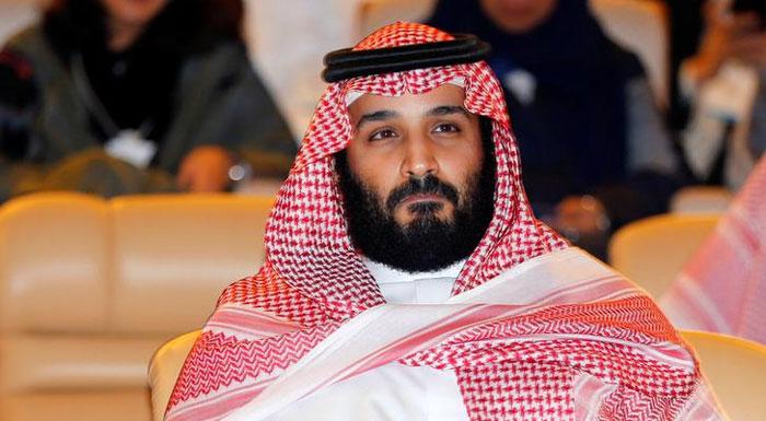 पिछले कुछ समय से प्रिंस सलमान लगातार बहुत मजबूत होते जा रहे हैं. सऊदी ने जिस तरह यमन पर हमला करने का फैसला किया, उससे लगता है कि प्रिंस सलमान ईरान की बढ़त को चुनौती देने के लिए जंग से कदम पीछे नहीं करेंगे.