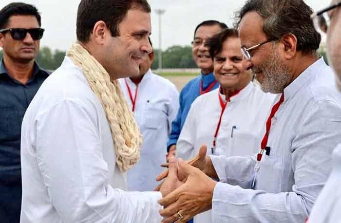 अर्जुन मोदवाडिया ने प्रचार में बड़ी कसर छोड़ दी. वो राहुल गांधी के साथ ज्यादा नजर आ रहे थे.