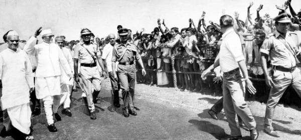 आपातकाल के बाद जब चुनाव हुए, तो मोरारजी देसाई प्रधानमंत्री बने.