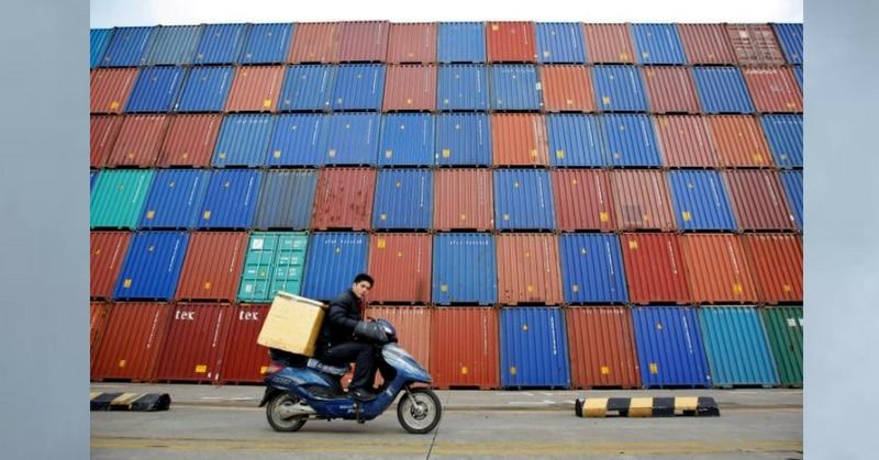विदेशी मुद्रा में लेनदेन का सबसे प्रमुख सोर्स है विदेशी आयात-निर्यात. (चाइना के शंघाई पोर्ट की एक फोटो.)