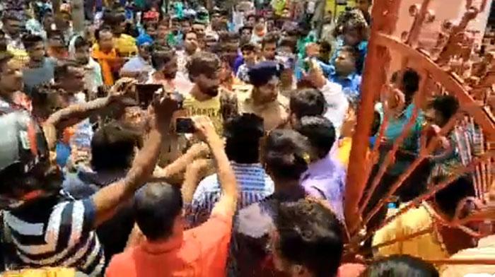 सिख समुदाय के लोग, खासतौर पर युवा इस विडियो को काफी शेयर कर रहे हैं. वजह ये कि गगनदीप सिंह सिख हैं.