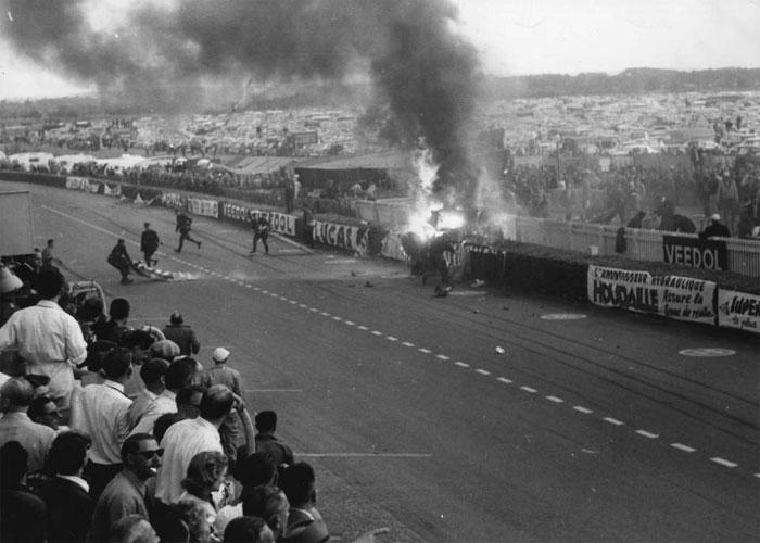 ये रेस 1923 से हर साल होती थी. मोटर रेसिंग की दुनिया के सबसे पुराने टूर्नमेंट में से एक (फोटो: AP)