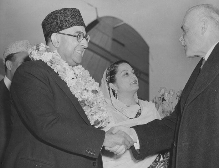 ये एक संयोग ही था, लेकिन बड़ा विरोधाभासी संयोग था. 26 जनवरी, 1950 को भारत का संविधान लागू हुआ. ठीक उसी दिन लियाकत पाकिस्तान में