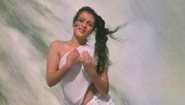 मंदाकिनी के झरने में नहाने वाले सीन को आलोचकों ने अश्लील नग्नता कहा तो राज कपूर ने ये जवाब दिया