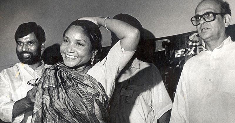 कहानी फूलन देवी की, जिसने बलात्कार का बदला लेने के लिए 22 ठाकुरों की जान ले ली