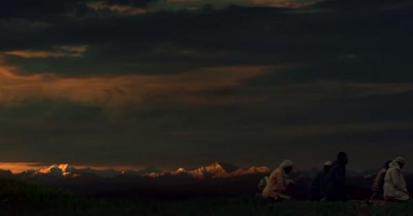 पहाड़ों में फिल्माई गई मूवीज़ में सिनेमाटोग्राफी कुछ सबसे महत्व वाले डिपार्टमेंट्स में से एक है. सिनेमाटोग्राफी के पॉइंट ऑफ़ व्यू से इस फिल्म ने भी वादियों, पहाड़ों, नदियों के साथ न्याय किया है.