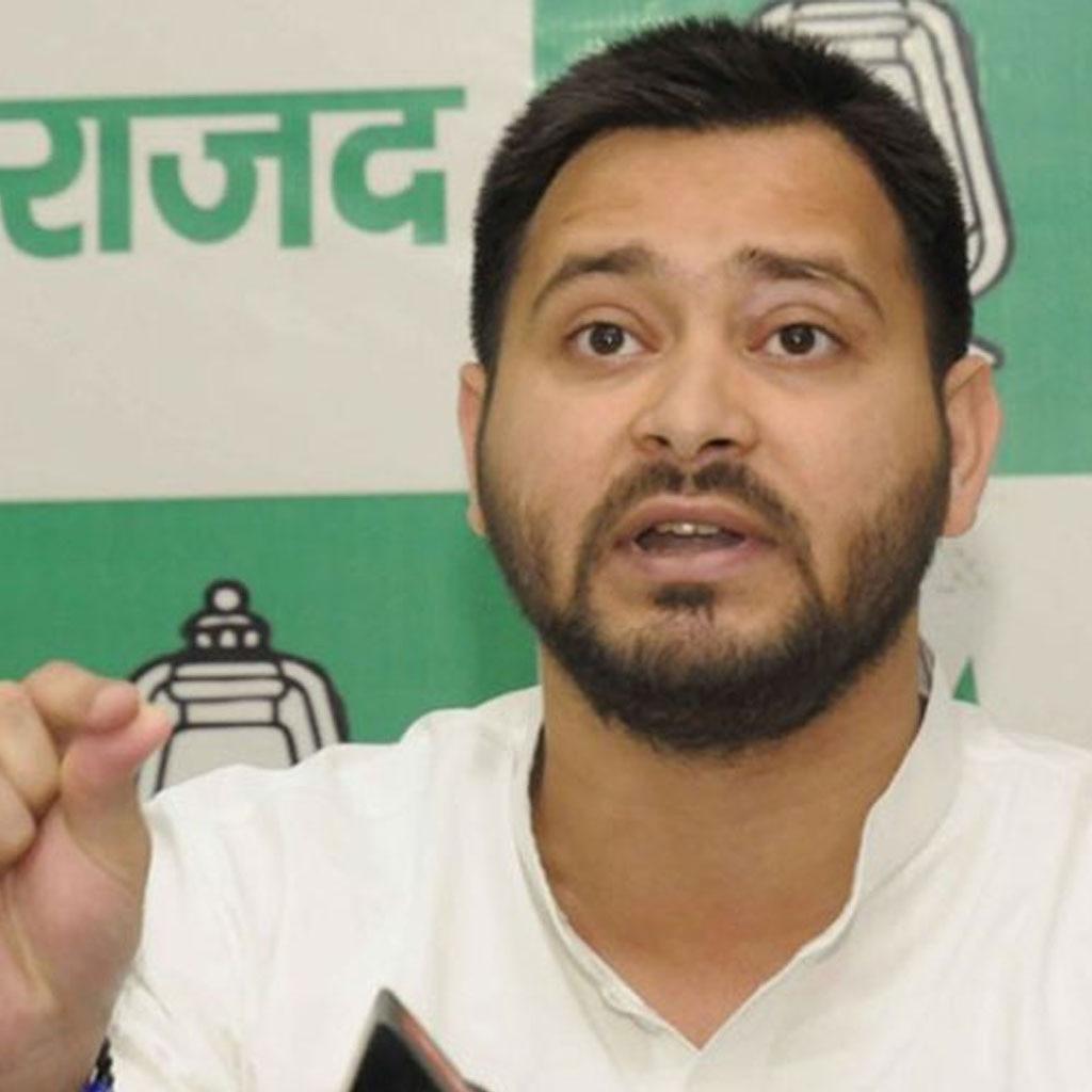 राजद नेता तेजस्वी ने बिहार सरकार को मुजफ्फरपुर शेल्टर होम केस पर आड़े हाथों लिया है और सरकार के पास कोई सफाई-जवाब नहीं दिख रहे हैं.