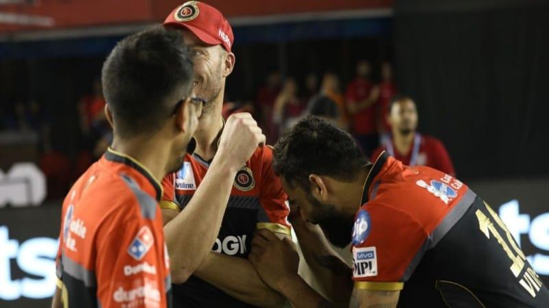 कोहली को IPL 2019 की पहली जीत तो मिली मगर भाई की जेब भी कट गई