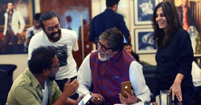 फिल्म के अनाउंसमेंट के मौके पर प्रोड्यूसर रॉनी लाहिरी. राइटर जूही चतुर्वेदी और डायरेक्टर शूजीत सरकार के साथ अमिताभ बच्चन.