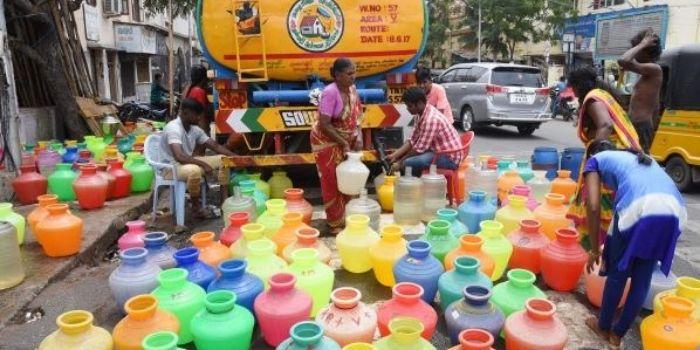 चेन्नई पिछले 30 सालों में सबसे बड़े जल संकट से गुजर रहा है.