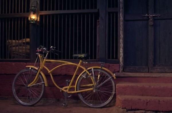इसी सायकल से मुहब्बत की कहानी है ये फिल्म.