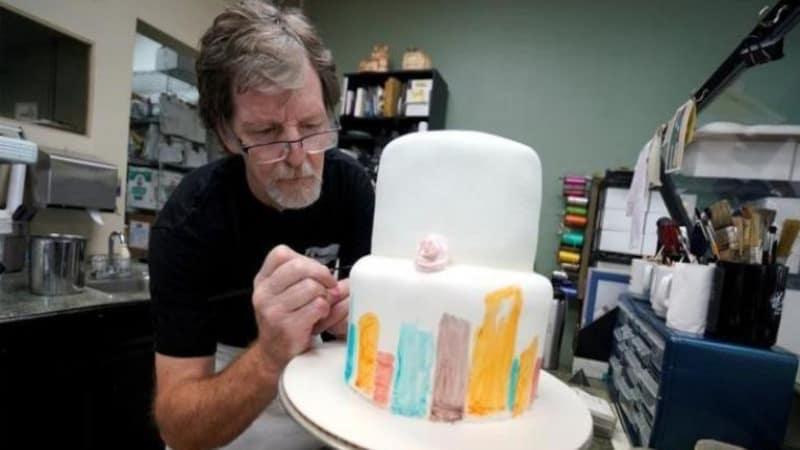 केक काटने का साइंटिफिक तरीका जान लीजिए, दुआएं देंगे (और केक भी)